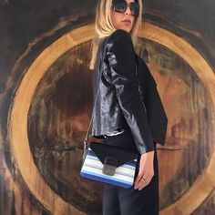 My @longchamp joining me in a afternoon art circuit. Minha Longchamp, eu e uma tarde de circuito de arte. #mypurse #mypurseonality #longchamp #baglover #artlover #artwear #MillenCurates