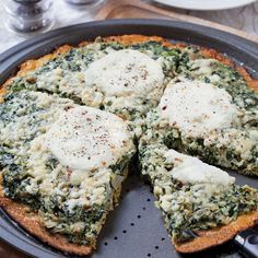 Spinach Artichoke Ricotta Pizza with Cauliflower Crust - Healthy Easy Recipes with Spring Foods - Shape Magazine--make it healthy: use dairy free soy free cheese! Easy Healthy Recipes, Healthy Cooking, Vegetarian Recipes, Easy Meals, Healthy Eating, Cooking Recipes, Pizza Recipes, Ricotta Pizza, Spinach Pizza
