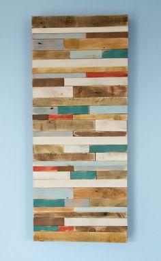 Hölzerne Kunst Skulptur aus recyceltem Holz-Stücke. Jedes Stück Holz ist geschliffen, handgemalte erhalten diese rustikale, alte abgenutzte Look. Natürliche Löcher nach Nägel ist gehalten und geben den Skulptur-Industrie-Look. Skulptur ist glatt zu berühren und Wachs ist gegeben, um die Farben zu schützen. Skulptur kann horizontal oder vertikal hängen werden.  Größe: 30 cm x 71 cm, 12 x 28 oder wählen Sie aus verschiedenen Menüoptionen Tiefe - ca. 2  Farben: grau, weiß, Walnuss, Eibe, Eiche…