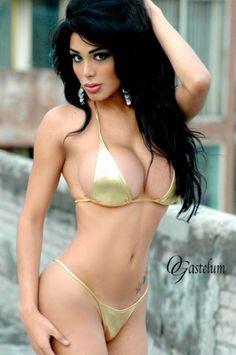 Very pretty lady. Mädchen In Bikinis, Tgirls, Crossdressers, Bikini Girls, Role Models, Beauty Women, Beautiful Women, Beautiful Curves, Sexy Women