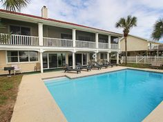 VRBO.com #902977 - Gulf-Front, Large Private Pool, Fenced Yard, Pool Table, Screened Porch