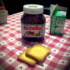 Colazione con 825g di Nutella