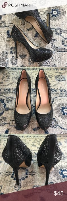 NINE WEST:Fabulous Black Glitter NWFORTONIGHT Pump Stunning! Only worn a couple of times and they are in excellent condition! The only where you can see is on the souls as you can tell from the photos. Classic chic and sparkly what more could a girl want! Measurements are in Photos. Please let me know if you have any additional questions. I am selling to the first reasonable offer I receive!❤️ Did someone say NEW YEARS?! Its NEVER too early to be prepared! Nine West Shoes Heels