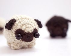 A funny little pug dog. This amigurumi pug will keep you company on your shelf or desk, and is small enough to fit in your pocket. Its also a nice Kawaii Crochet, Cute Crochet, Crochet Crafts, Crochet Dolls, Crochet Yarn, Yarn Crafts, Crochet Projects, Sewing Projects, Crochet Stitches