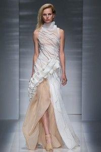 vionnet Olivia Palermo Picks Top 10 Bridal Looks from Runway Couture 200x300 Olivia Palermo Picks Top 10 Bridal Looks from Runway Couture