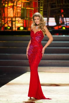 Amy Willerton, Miss Great Britain at Evening Gown Competition. Beautiful Dresses, Nice Dresses, Beautiful Women, Long Dresses, Miss Great Britain, Divas, Fashion Bible, Women's Fashion, Amy