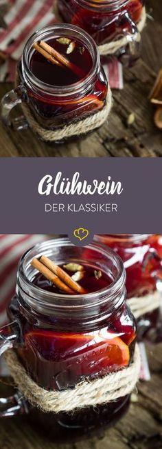 Der klassische Glühwein gehört auf jeden Weihnachtsmarkt. Aber wenn du ihn selber machst und Zuhause im warmen genießt ist es doch viel gemütlicher!