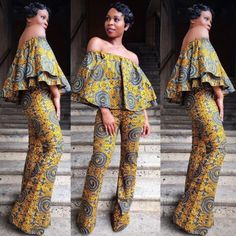 Furthermore, numerous developments of apparel display different temperaments people. The appearance of African attire for women is advanced and simple. You are ready to choose them to truly have a fashionable look. African Print Clothing, African Print Dresses, African Dresses For Women, African Attire, African Wear, African Fashion Dresses, African Women, African Prints, African Outfits