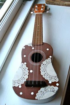 DIY altered ukulele.