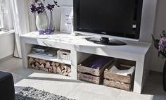 Bekijk de foto van pwierdsma met als titel  Robuust audio/tv-meubel. Gemaakt vaan 100% massief hout, leverbaar in zeer veel maten.  De dikte van het meubel is 10 cm, dus zeer robuust vormgegeven. Het schap is 28 mm dik, ideaal om (audio)apparatuur te plaatsen. en andere inspirerende plaatjes op Welke.nl.