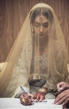 Nikkah bride – The Best Ideas Disney Wedding Dresses, Bridal Dresses, Muslim Brides, Muslim Couples, Pakistani Wedding Outfits, Wedding Hijab, Nikkah Dress, Mehndi Dress, Nikah Ceremony