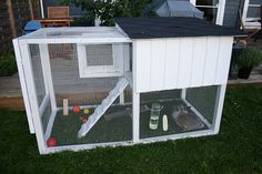 adorable diy rabbit hutch with excersize area!
