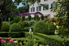View of La Cervara and the flowered pergola of Terrazzo Belvedere from the Italian-style monumental garden. Portofino, Italy - #pergola #belvedere - More on www.cervara.it