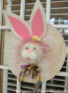 www.busylizzy.co.uk Make a Bunny Door Decoration for Easter