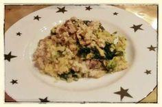Diesen Brokkoli-Spinat-Bulgur Auflauf mit Möhrencreme und Tofu-Walnuss-Topping gab es bei Stefan zum Abendessen. Solche Essen liebe ich!
