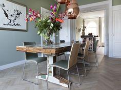 leuk om door te klikken op deze site..kleur in de keuken ook gaaf en duidelijk te zien hoe jullie kleuken kan zijn; groene muren in combi met het wit | VIVA VIDA
