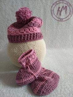 #hmreny BaBy set, baby blanket, baby boots, baby hat... Lovely babygirl set :) Baby Set, Baby Boots, Blanket, Hats, How To Make, Fashion, Moda, Hat, Fashion Styles