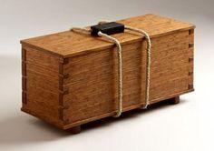 Protruding dovetails box