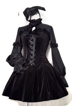 velour lolita style dress in black with frilly sleeves and a lace up corset detail small face veil made from black mesh and a large black hair bow Lolita Hair, Lolita Goth, Gothic Lolita Dress, Goth Dress, Gothic Lolita Fashion, Lolita Style, Goth Style, Kimono Fashion, Cute Fashion