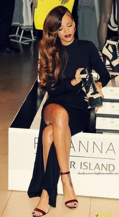 rihanna love her hair and outfit