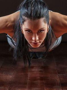 Du sport intense sur un temps court, c'est ce que propose le HIIT, un entraînement fractionné efficace pour mincir car fondé sur l'afterburn effect, un processus qui fait perdre beaucoup de calories après la séance.