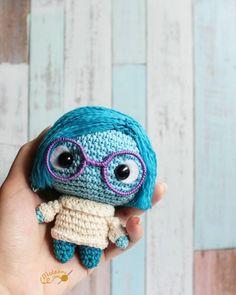 Mesmerizing Crochet an Amigurumi Rabbit Ideas. Lovely Crochet an Amigurumi Rabbit Ideas. Kawaii Crochet, Crochet Disney, Cute Crochet, Crochet Crafts, Crochet Dolls, Crochet Projects, Scarf Crochet, Blanket Crochet, Crochet Afghans
