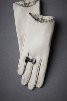 bow detail on gloves