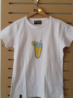 CAMISETA LIMONADA Mens Tops, T Shirt, Fashion, Child Fashion, Fashion Guide, T Shirts, Women, Moda, Tee Shirt