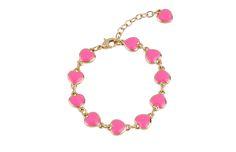 Pulsera de 17cm de largo y 3cm de extensión, en baño de oro con esmalte color rosa brillante. Codigo: 2171084