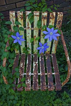 Handmade from Reclaimed Antique Glass and Bottles Outdoor Rooms, Outdoor Gardens, Outdoor Decor, Vintage Metal Chairs, Desk Chair Comfy, Adirondack Chair Plans Free, Recycled Plastic Adirondack Chairs, Restoration Hardware Dining Chairs, Tulip Chair