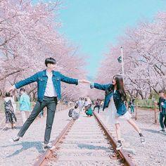 En este libro veremos a los idols siendo totalmente boyfriend materia… # De Todo # amreading # books # wattpad Ullzang Boys, Photo Couple, Couple Photos, Couple Ulzzang, Mode Ulzzang, Cute Couple Outfits, Couple Goals Cuddling, Korean Couple, Couple Photography