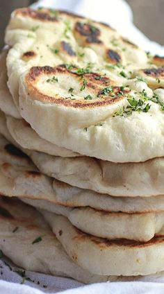 Homemade Naan (with step-by-step photos) - food. Easy Cake Recipes, Easy Dinner Recipes, Healthy Dinner Recipes, Easy Meals, Cooking Recipes, Nann Bread Recipe, Naan Recipe, International Recipes, Mexican Food Recipes