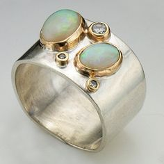 A custom, absolutely beautiful one of a kind wedding ring from Vandenbergs.