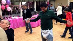 Game: Baby Shower Diaper and Bottle Race Juegos Baby Shower Niño, Mesas Para Baby Shower, Baby Shower Games Coed, Baby Shower Diapers, Baby Shower Themes, Shower Ideas, Baby Games, Baby Shower For Men, Baby Shower Deco