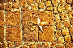 """Roman Lone Star"" - Piazza Colonna #piazzacolonna #fountain #photobydperry #repostromanticitaly #rome #roma #italy #italia #lazio #noidiroma #myrome #europe #europa #discoverglobe #topeuropephoto #architecture #travel #instagood #instatravel #amazing #landscapes #incredible_italy #awesome_earthpix #corso #Italia_super_pics #ig_italy #ig_rome #loves_united_hdr"