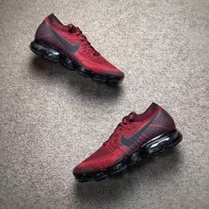 NIKE AIR VAPORMAX FLYKNIT DARK TEAM RED BLACK 849558 601 Nike Basketball Shoes, Nike Shoes, Sneakers Nike, Basket Nike, Nike Air Vapormax, Mens Trainers, Footwear, Men's Outfits, Casual Outfits