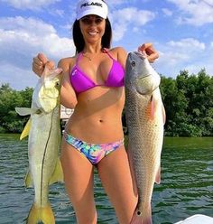 Fishing Girls, Gone Fishing, Fishing Stuff, Bikini Fishing, Fishing Pictures, Cool Boats, Sporty Girls, Bikini Girls, Sexy Bikini