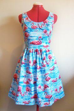 Pink flamingo dress with peter pan collar #flamingo #retro #dress