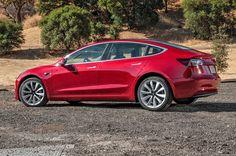 Tesla Model 3 : 1 800 commandes par jour qui rallongent la liste d'attente