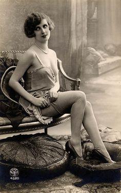 1920's Boudoir - @~ Mlle