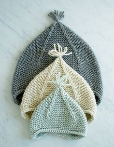 Laura's Loop: Garter Ear Flap Hat - The Purl Bee - Knitting Crochet Sewing Embroidery Crafts Patterns and Ideas! Dawnde, look here for purl bee sweater pattern you love! Purl Bee, Knitting For Kids, Free Knitting, Knitting Ideas, Knitting Needles, Knit Or Crochet, Crochet Baby, Knitted Baby Hats, Baby Hats Knitting
