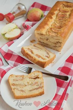 Easy Cake : Yogurt cake with apple, Apple Cake Recipes, Sweets Recipes, Cupcake Recipes, Baking Recipes, Cupcake Cakes, Yogurt Cake, Sweets Cake, Fruit Cakes, Cake Cookies