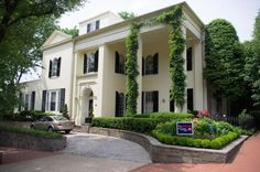 See Gorgeous Landscapes at the Georgetown Garden Tour: Mansion at 28th Street