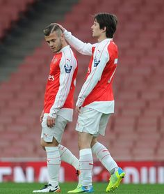 Jack Wilshere and Tomas Rosicky have seen plenty of the ball in Arsenal Under-21s' clash with Newcastle. The Gunners lead 3-1 at the break #Arsenal #COYG #AFCU21 #Gunners