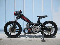 Puch Moped, Scooter 50cc, Peugeot, Custom Moped, Custom Bikes, Mlb, Motorcycle Design, Bike Design, Tomahawk Motorcycle