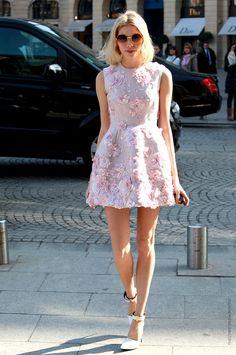 Short Pink Summer Dress with Rose Applique fashion pink roses summer fashion street style summer dress applique street fashion