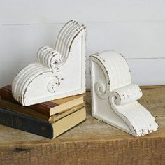 36 best decor corbels images in 2019 antique farmhouse boxwood rh pinterest com