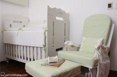 poltrona amamentação bebê berço brancos