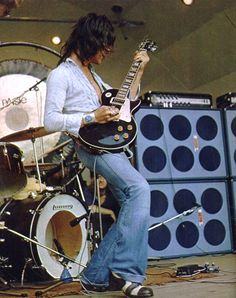 Custom Electric Guitars, Custom Guitars, Carmine Appice, The Yardbirds, Jeff Beck, Let's Have Fun, Music Pictures, Dave Grohl, Gibson Les Paul