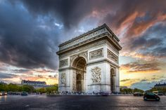 Cloudy Sunset on Arc de Triomphe by Loïc Lagarde on 500px
